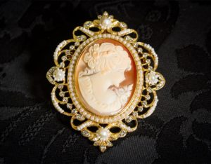Colgante siglo XVIII de camafeo natural ref. 3008 oro