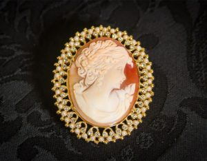 Colgante siglo XVIII de camafeo natural ref. 3011 oro