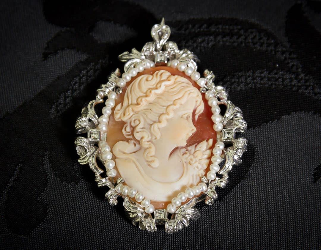 Colgante siglo XVIII de camafeo natural ref. 3047 rodio