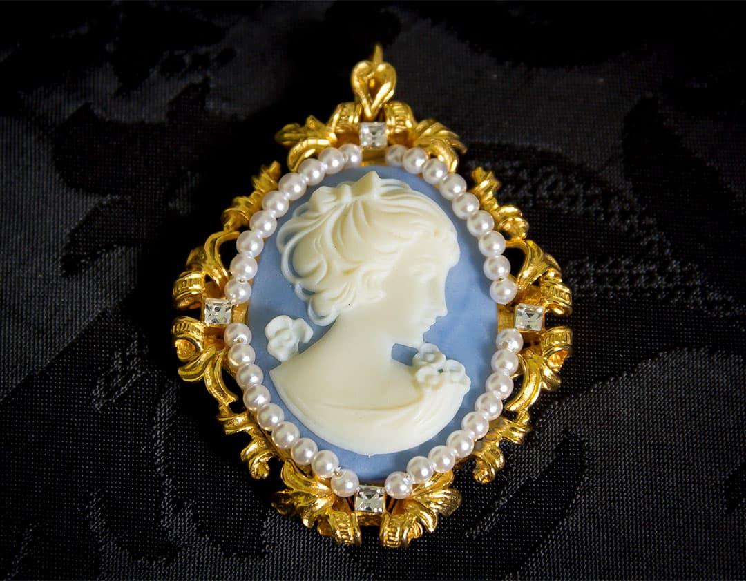 Colgante siglo XVIII de camafeo sintético ref. 49 azul
