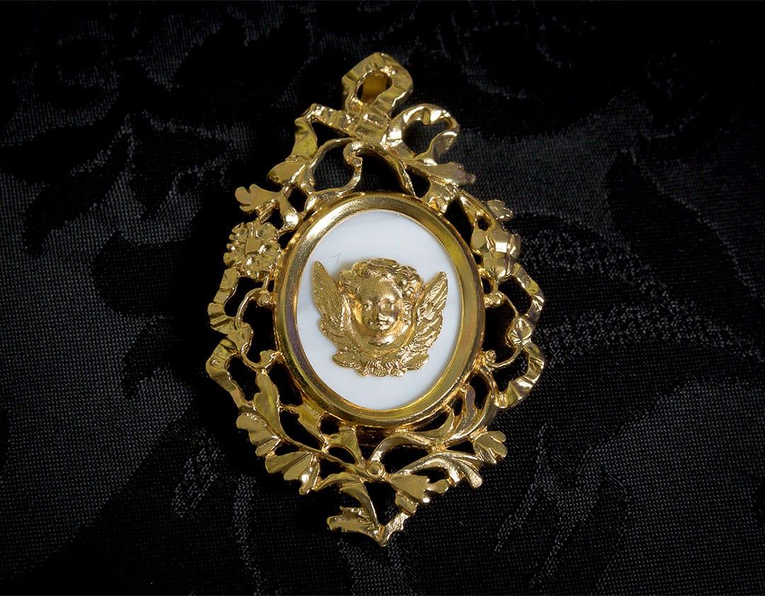 Colgante siglo XVIII medallón ref. 52 ángel oro