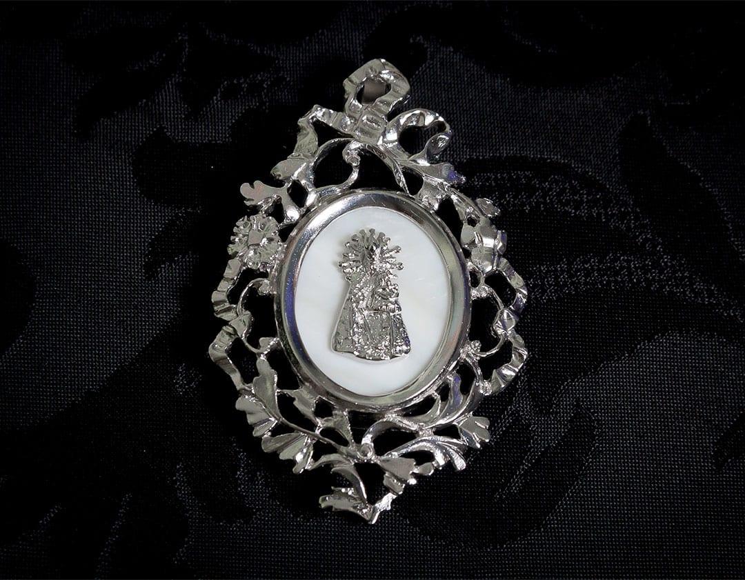 Colgante siglo XVIII medallón ref. 52 vd rodio