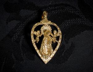 Medalla de la Virgen de los Desamparados ref. 48 oro