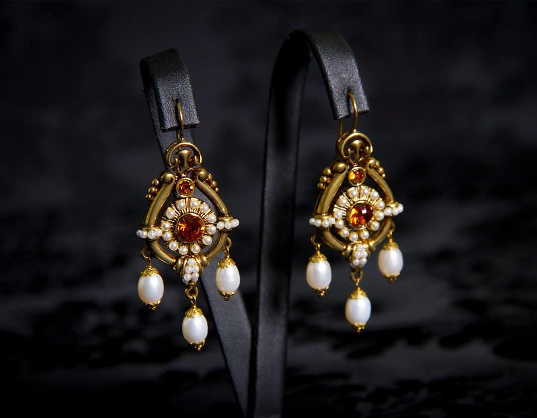 Pendientes con cierre de gancho en topacio y perla ref. 221 bronce inglés