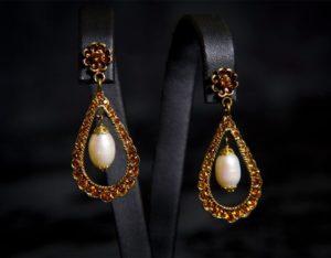 Pendientes de presión en topacio y perla ref. 228 bronce inglés