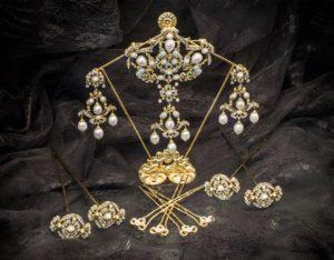 Aderezo del siglo XVIII modelo perlones en cristal ref. m103