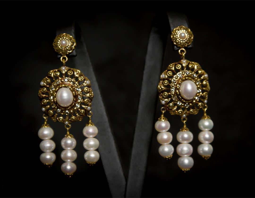 Aderezo del siglo XVIII de la polca en perla cultivada ref. m114