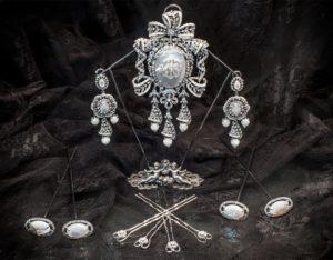Aderezo del siglo XVIII en nácar, cristal y perla ref. m115