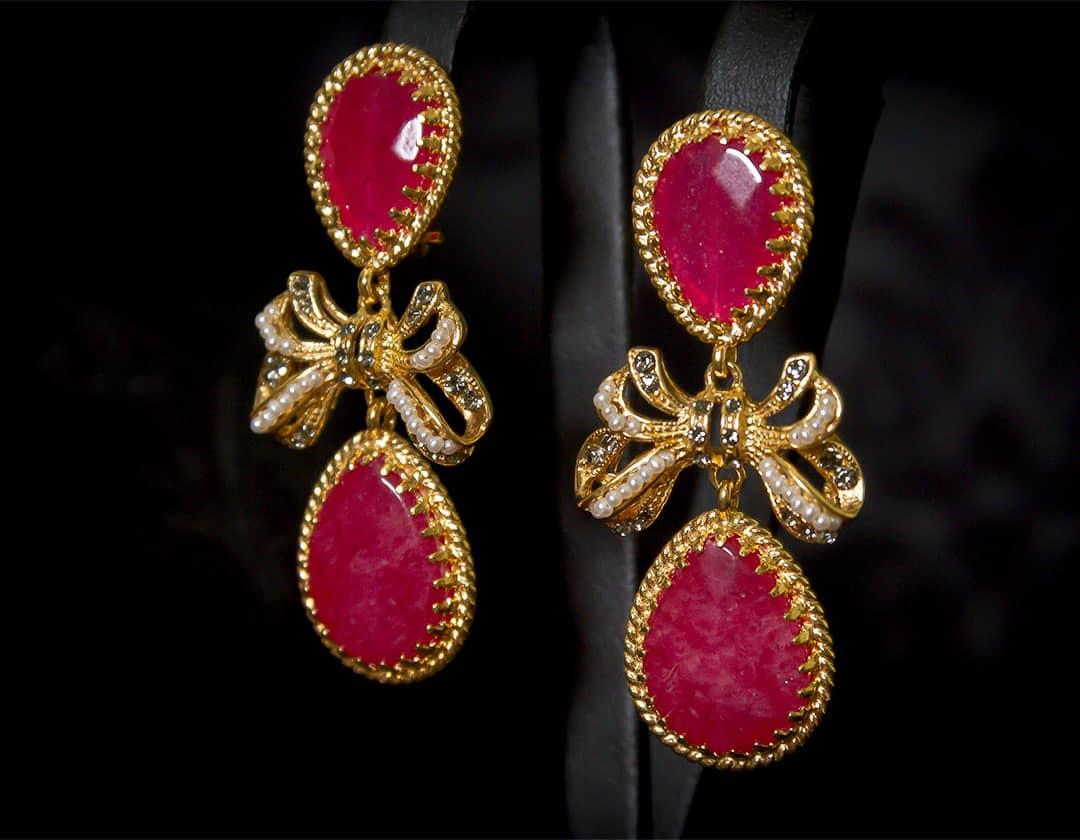 Aderezo del siglo XVIII de a uno en rubí y perla ref. m124