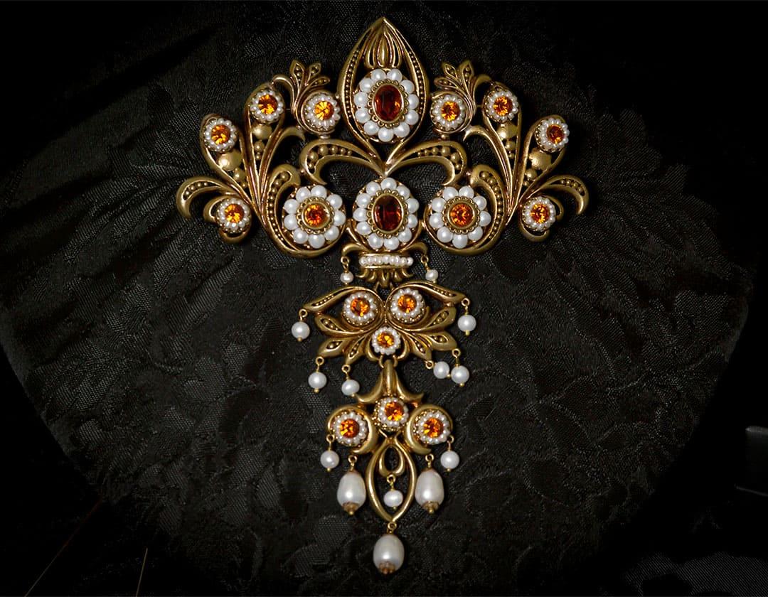 Aderezo del siglo XVIII en topacio y perla ref. m83 bronce inglés