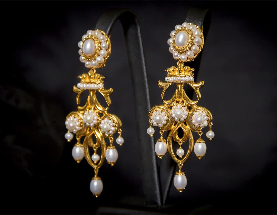 Aderezo del siglo XVIII en perla cultivada y oro ref. m83
