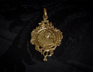 Escapulario del Papa Clemente XIII y la cruz malta ref. 64 bronce inglés