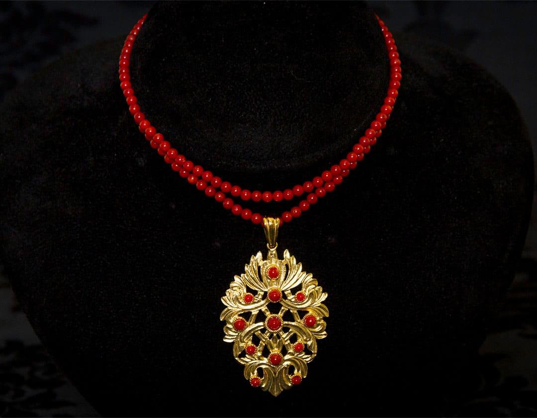 Collar de coral en pendentif en dorado ref. 993