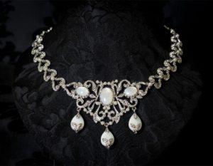 Gargantilla de nácar, cristal y perla en rodio ref. 732