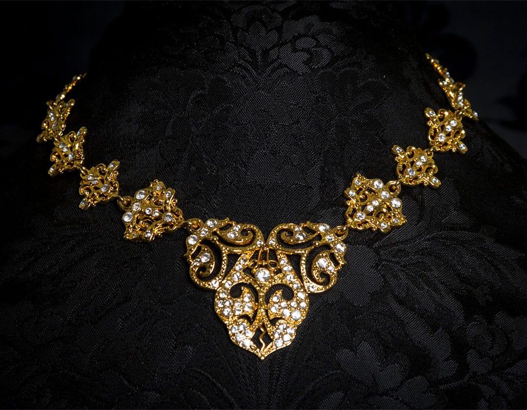 Gargantilla de cristal en oro ref. 733