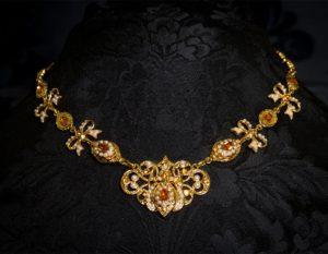 Gargantilla de topacio y perla en oro ref. 734