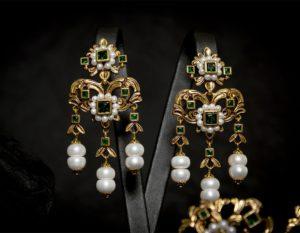 Pendientes de esmeralda y perla envejecidos ref. 2225