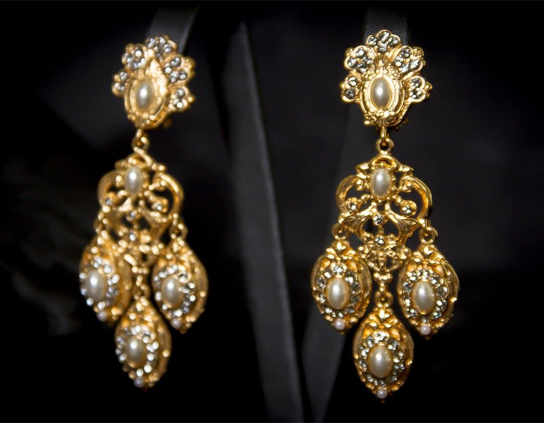 Pendientes en perla y cristal dorados ref. 2237