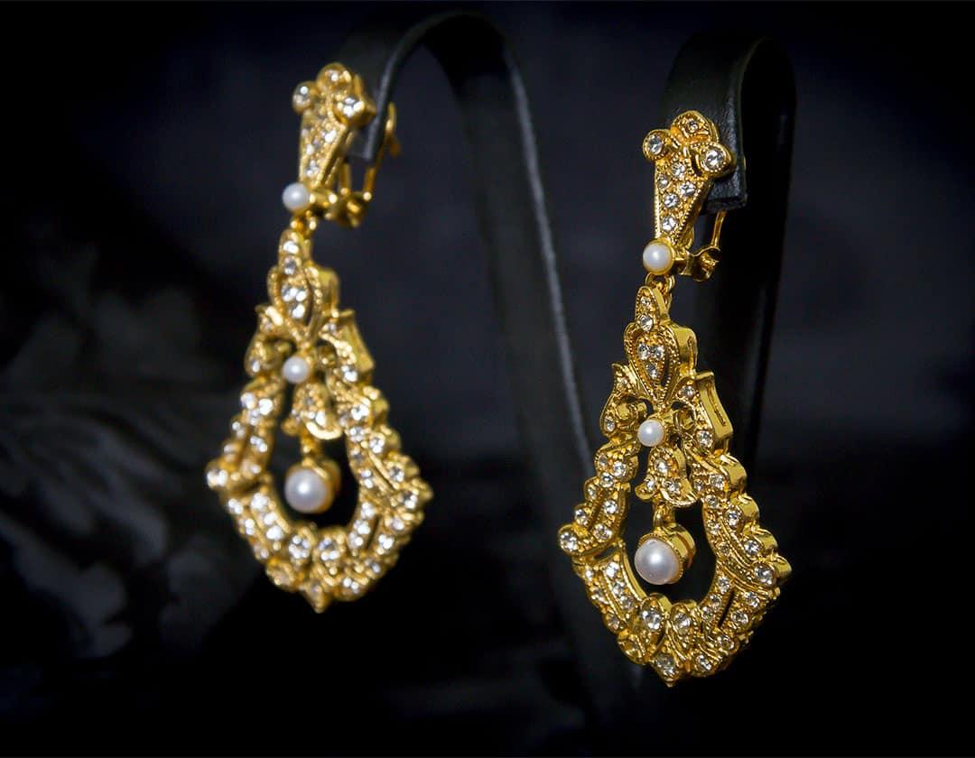 Pendientes de a uno en perla y cristal dorados ref. 2239