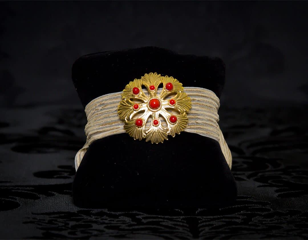 Pulsera de coral para cinta en oro ref. 811