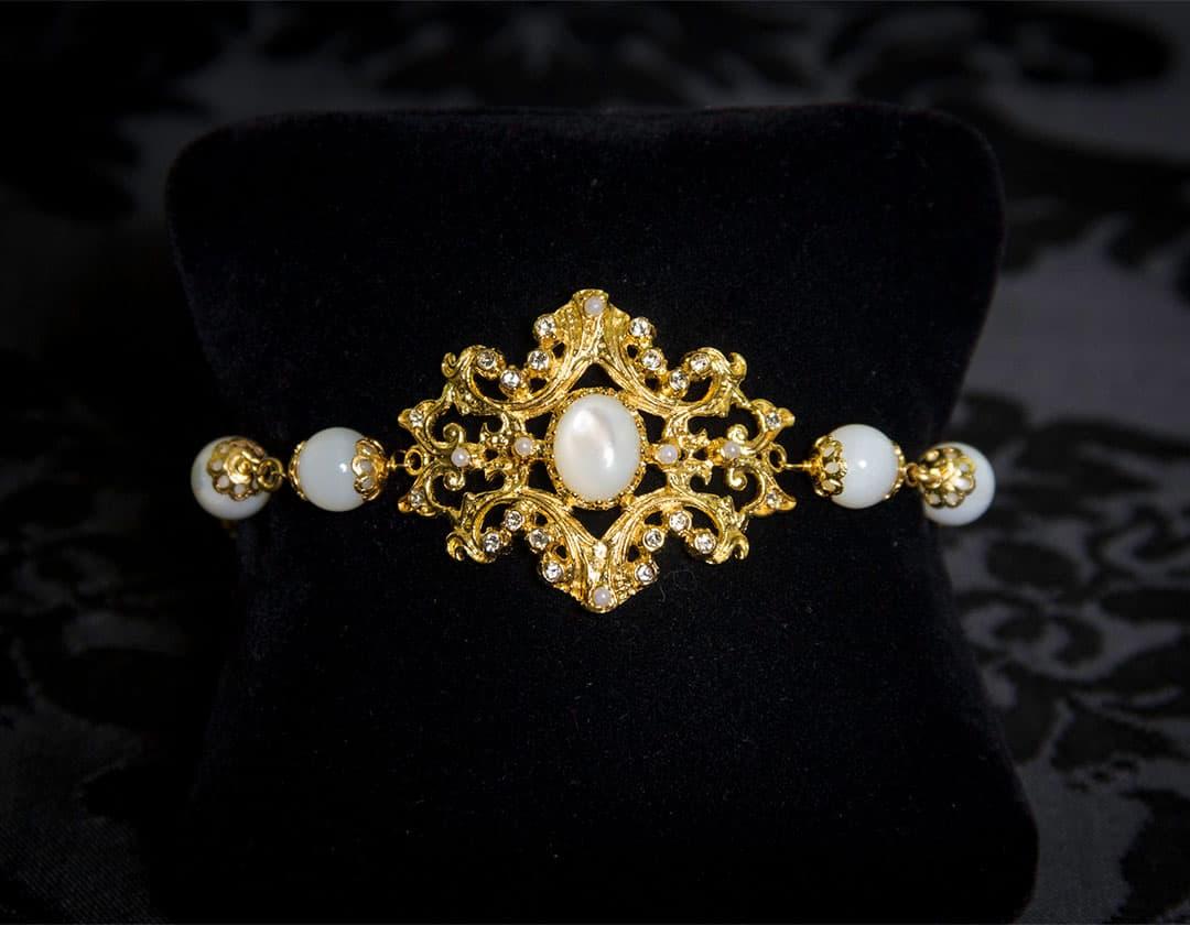 Pulsera de nácar, cristal y perla en oro ref. 813