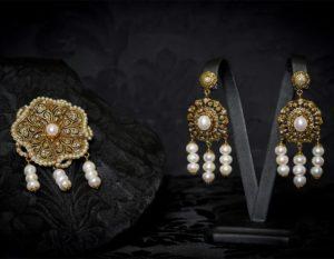 Pendientes y joia de la polca en perla envejecidos ref. M-114