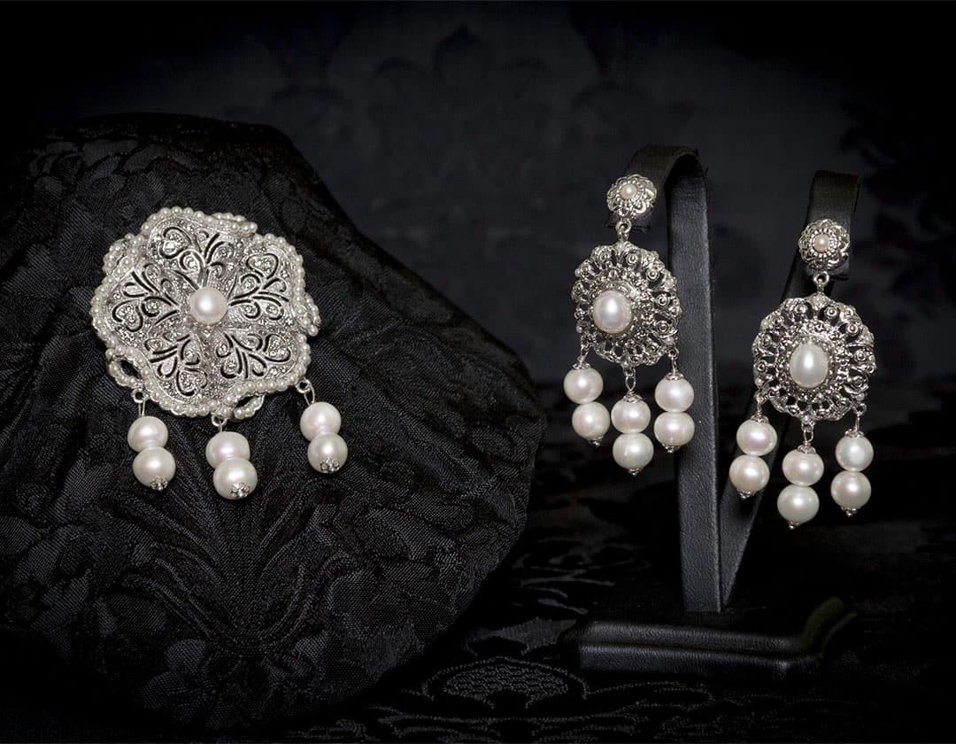 Pendientes y joia de la polca en perla y rodio ref. M-114