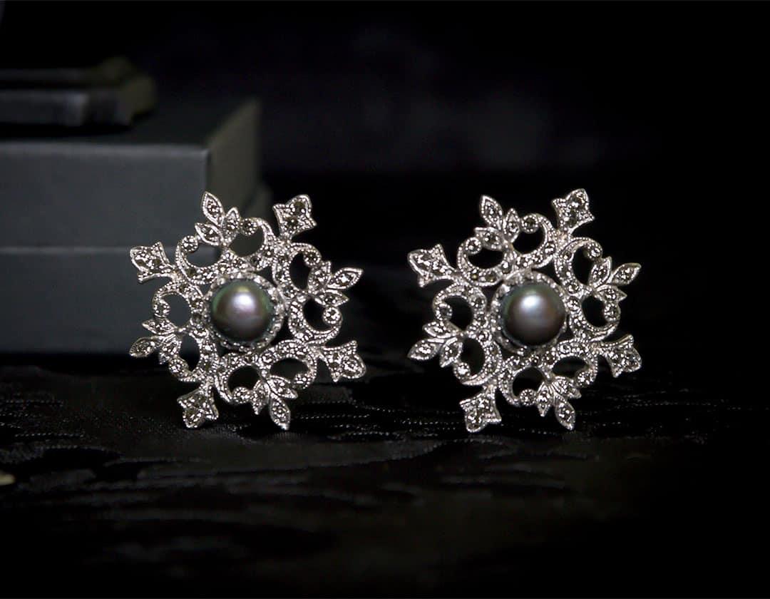Aderezo del siglo XVIII en perla gris, black diamond y rodio ref. m178