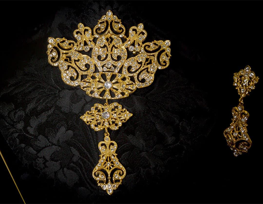Aderezo del siglo XVIII en cristal y oro ref. r5020