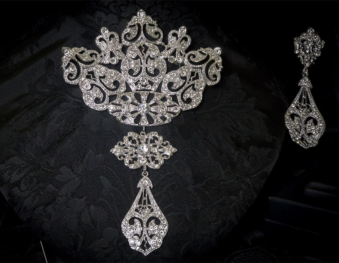 Aderezo del siglo XVIII modelo de a uno en cristal y rodio ref. r5021