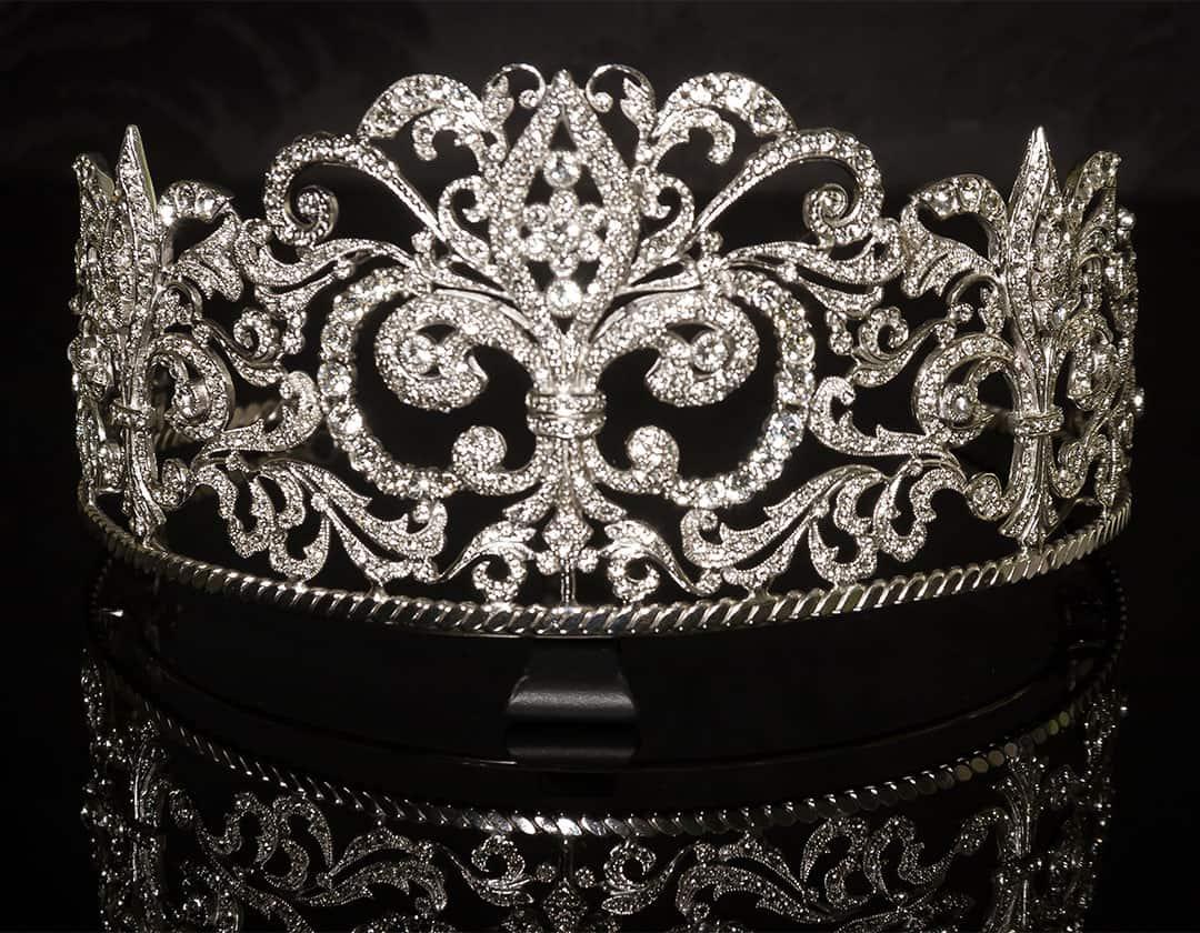 Tiara Flor de Lis inspirada en la realeza. ref. 81