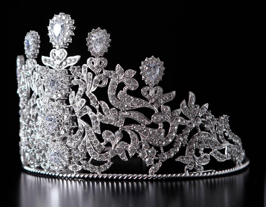 Tiara imperial con motivos vegetales ref. 810