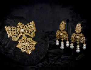 Pendientes y joia del barquillo en perla y oro ref. m-170