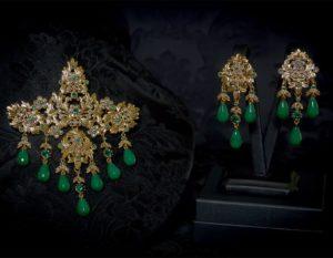 Pendientes y joia de la polca en esmeralda y oro ref. M-172