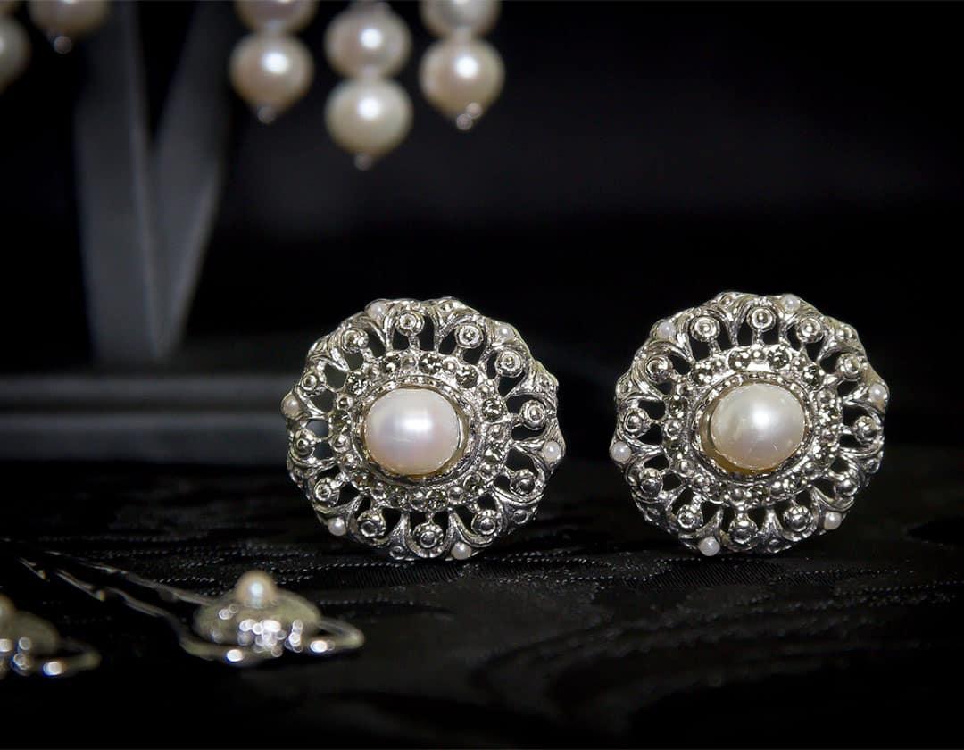 Pendientes y joia de la polca en perla, cristal y rodio ref. M-114