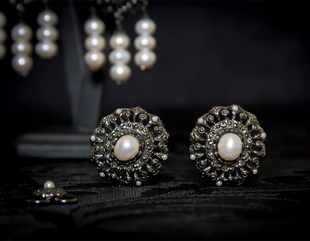 Pendientes y joia de la polca en perla, cristal y rutenio ref. M-114