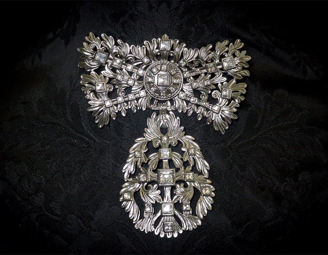 Aderezo del siglo XVIII modelo de a uno en cristal y rutenio ref. m142
