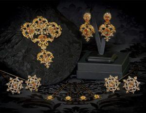 Aderezo del siglo XVIII modelo de a uno en topacio, Black Diamond y oro ref. m164